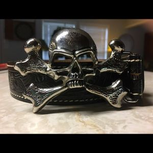 Accessories - Skull and crossbones leather belt